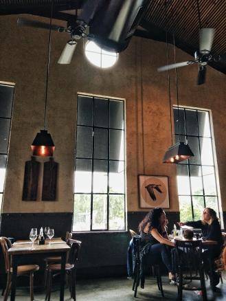 tel yzhak restaurant